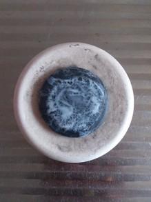 20130524使用中の純炭石鹸.jpg