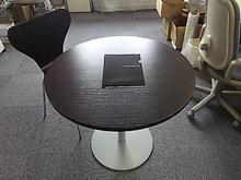 2015041709テーブルとイス.JPG