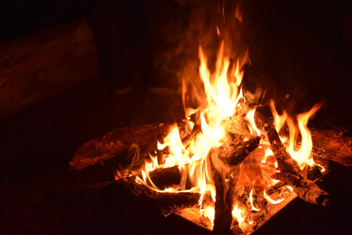 炭火焼き料理で慢性腎臓病や心血管死亡リスクが上昇?