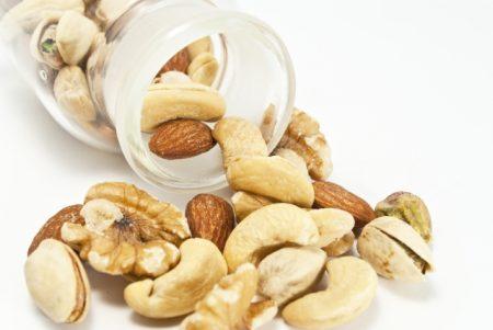 木の実ナッツで心血管病を防ごう