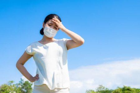 マスクの女性 めまい