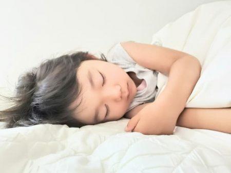 睡眠 子供の寝顔